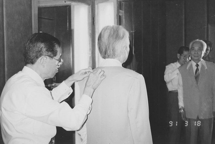 Las fotografías con el general Vo Nguyen Giap