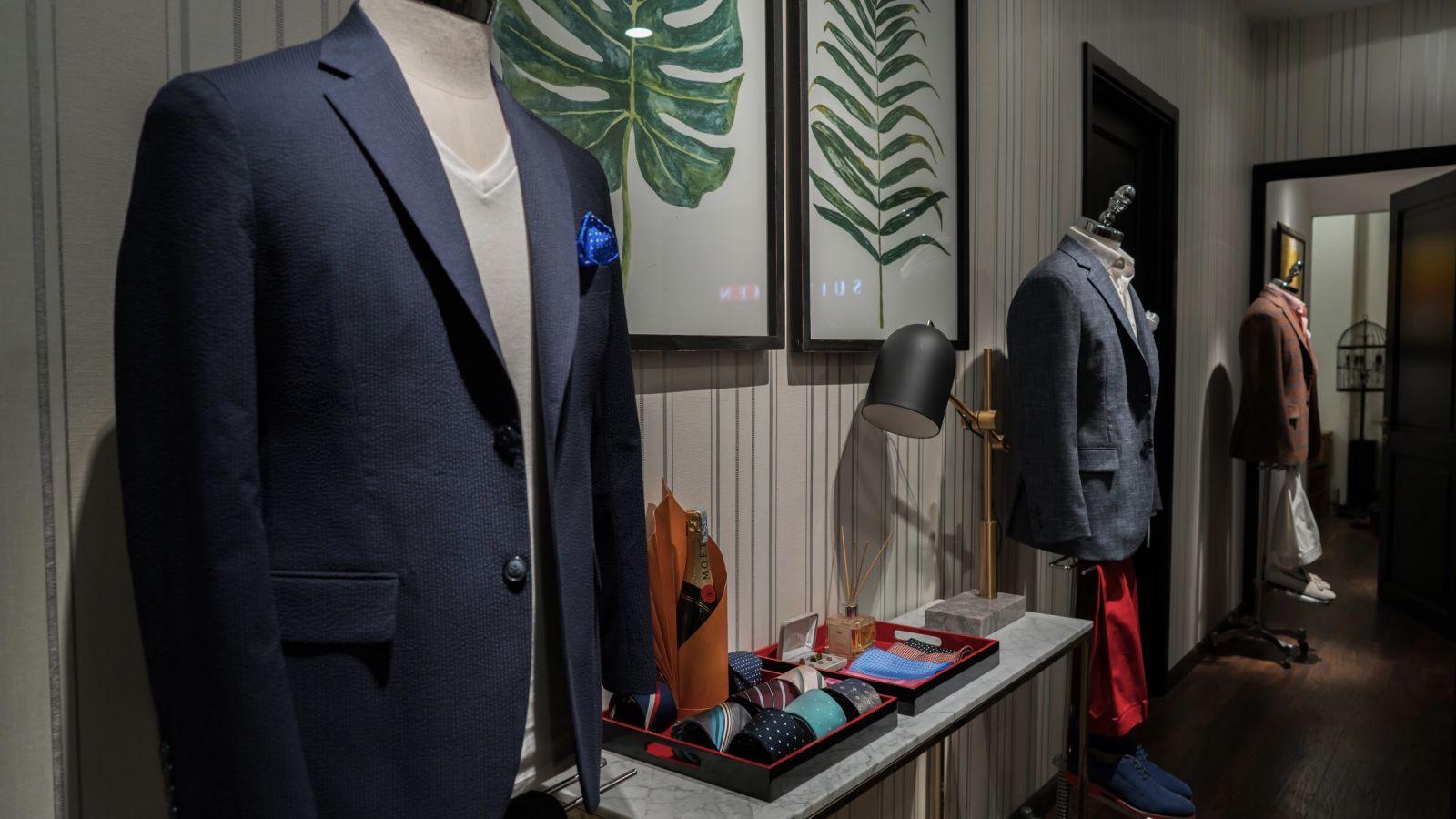 Bên trong Tiệm May Vest Nam S4M giá rẻ